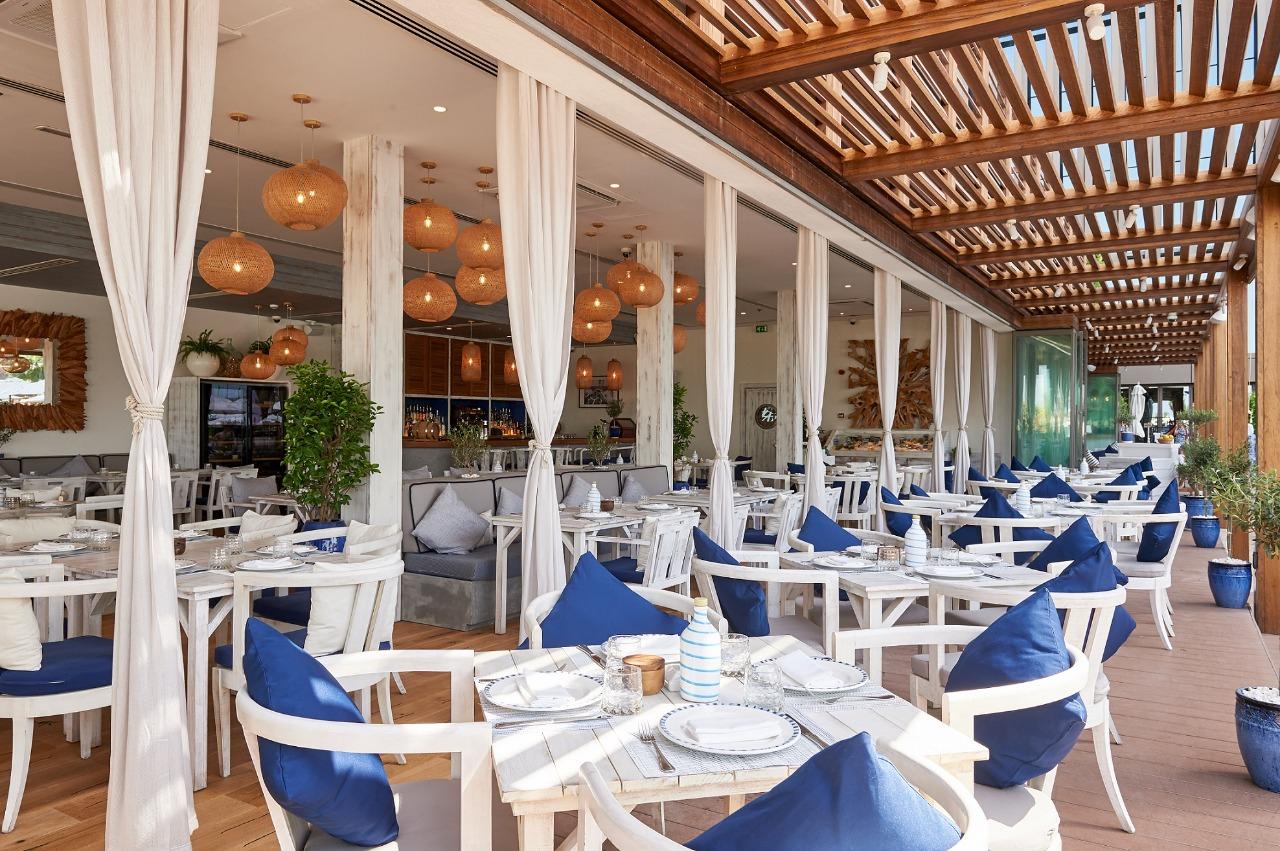 مطعم أموس يعيد تجربة الطعام في الهواء الطلق في ترّاسه الخارجي